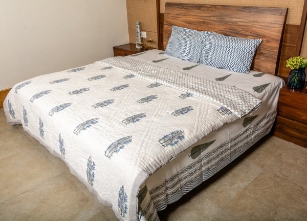 Hand Block Printed Cotton Quilt (Queen size) | Ice Blue Wire around Cypress