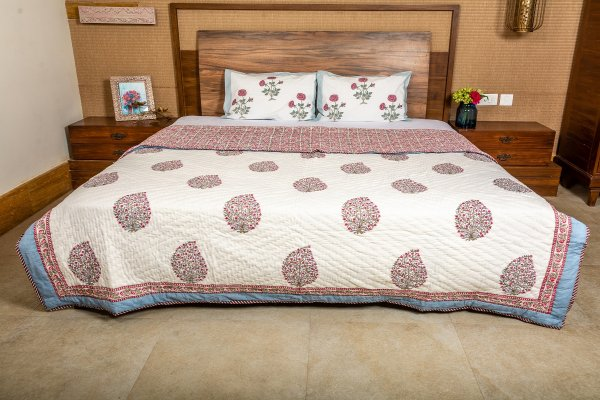 Hand Block Printed Cotton Quilt (Queen size) | Red Pink Periwinkle Bush